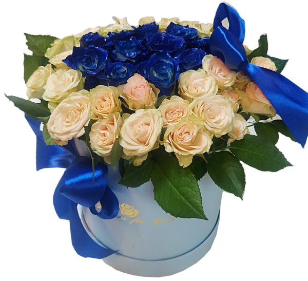 Композиция из синих роз